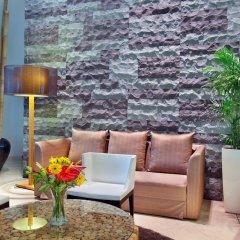 Отель PARKROYAL Serviced Suites Kuala Lumpur Малайзия, Куала-Лумпур - 1 отзыв об отеле, цены и фото номеров - забронировать отель PARKROYAL Serviced Suites Kuala Lumpur онлайн интерьер отеля фото 2