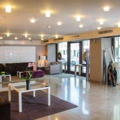 Отель NH Poznan интерьер отеля