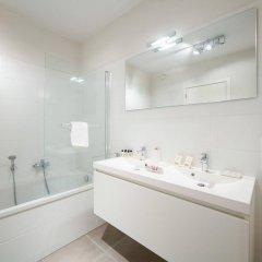 Отель Sweet Inn Apartments Charité Бельгия, Брюссель - отзывы, цены и фото номеров - забронировать отель Sweet Inn Apartments Charité онлайн ванная фото 2
