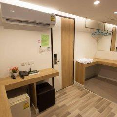 Отель Nantra Ploenchit Бангкок сейф в номере