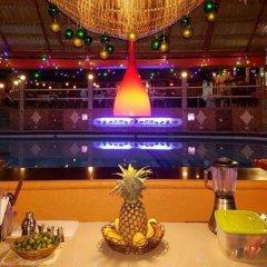 Отель Artistic Diving Resort гостиничный бар