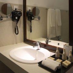 Отель Lakeside At Nuwarawewa Анурадхапура ванная фото 2