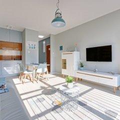 Апартаменты Downtown Apartments - Nowa Motlawa комната для гостей фото 2