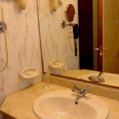 Отель Ras Al Khaimah Hotel ОАЭ, Рас-эль-Хайма - 2 отзыва об отеле, цены и фото номеров - забронировать отель Ras Al Khaimah Hotel онлайн ванная
