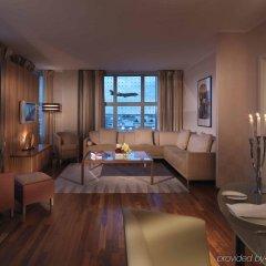 Отель Hilton Munich Airport Германия, Мюнхен - 7 отзывов об отеле, цены и фото номеров - забронировать отель Hilton Munich Airport онлайн комната для гостей