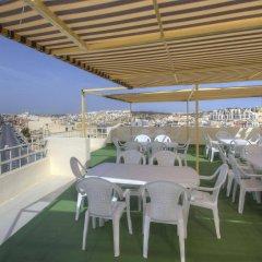 Отель Cerviola Hotel Мальта, Марсаскала - отзывы, цены и фото номеров - забронировать отель Cerviola Hotel онлайн бассейн фото 2