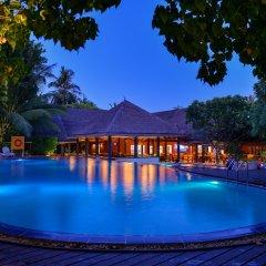 Отель Adaaran Select Hudhuranfushi Остров Гасфинолу бассейн