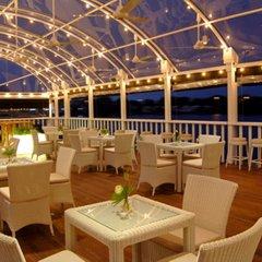 Отель Cinnamon Lakeside Colombo гостиничный бар