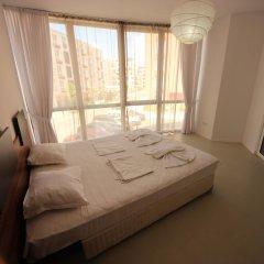 Апартаменты Menada Rainbow Apartments Солнечный берег комната для гостей фото 23