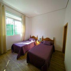 Отель Hostal La Muralla комната для гостей фото 2
