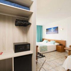 Отель Tropical сейф в номере фото 2