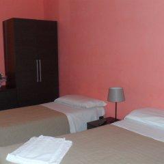 Отель Evans Guesthouse комната для гостей фото 5