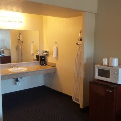 Отель Holiday Motel Oakdale в номере фото 2