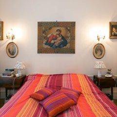 Отель Appartement Champs Elysées Париж комната для гостей
