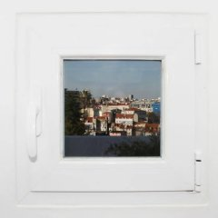 Апартаменты Alegria Apartment in Principe Real сейф в номере