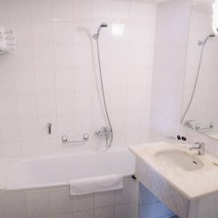 Hotel Vavrinec Злонице ванная