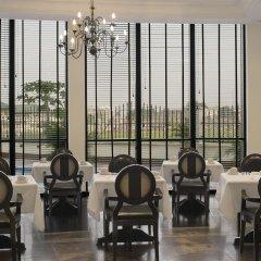 Отель Le Meridien Ogeyi Place гостиничный бар