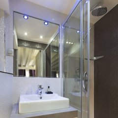 Отель Hôtel Jacques De Molay ванная фото 3