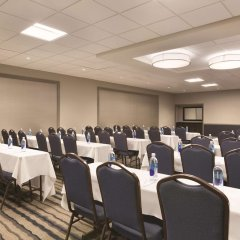 Отель Embassy Suites Bloomington Блумингтон фото 9