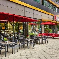 Отель Ramada Hotel Berlin-Alexanderplatz Германия, Берлин - отзывы, цены и фото номеров - забронировать отель Ramada Hotel Berlin-Alexanderplatz онлайн бассейн