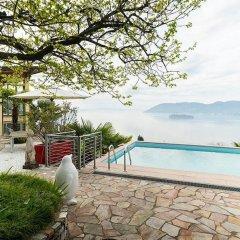 Отель Luxury Italian Lakes Villa With Private Pool, Gym, Bbq, Free Wifi, Lake Views Вербания бассейн фото 2