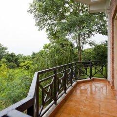Отель Buddha Maya by KGH Group Непал, Лумбини - отзывы, цены и фото номеров - забронировать отель Buddha Maya by KGH Group онлайн балкон