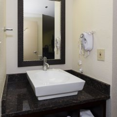Отель Red Roof Inn PLUS+ Columbus Downtown - Convention Center ванная фото 2