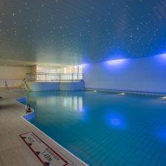 Отель Crowne Plaza Zürich Цюрих бассейн
