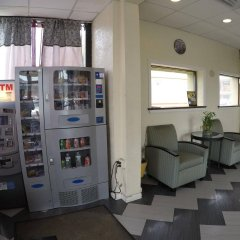 Отель Motel 6 Elizabeth - Newark Liberty Intl Airport США, Элизабет - отзывы, цены и фото номеров - забронировать отель Motel 6 Elizabeth - Newark Liberty Intl Airport онлайн банкомат