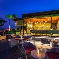 Отель Bandara Phuket Beach Resort гостиничный бар
