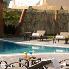 DoubleTree by Hilton Hotel Izmir Airport Турция, Измир - отзывы, цены и фото номеров - забронировать отель DoubleTree by Hilton Hotel Izmir Airport онлайн бассейн фото 3