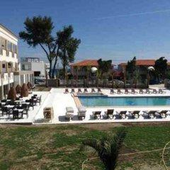 Отель Hanioti Melathron Греция, Ханиотис - отзывы, цены и фото номеров - забронировать отель Hanioti Melathron онлайн бассейн фото 2