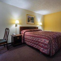 Отель Knights Inn-columbus Колумбус комната для гостей фото 3