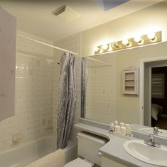 Отель Marpole Guest House Канада, Ванкувер - отзывы, цены и фото номеров - забронировать отель Marpole Guest House онлайн ванная