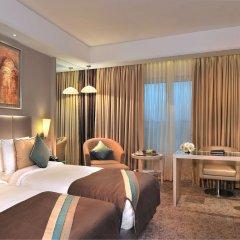 Отель Radisson Hyderabad Hitec City комната для гостей фото 4