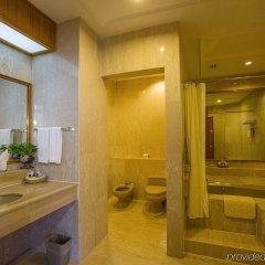 Отель Copthorne Orchid Hotel Penang Малайзия, Пенанг - отзывы, цены и фото номеров - забронировать отель Copthorne Orchid Hotel Penang онлайн ванная