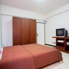 Отель Nida Rooms Narathivas 2888 Residence At Living Nara Place Бангкок комната для гостей фото 3