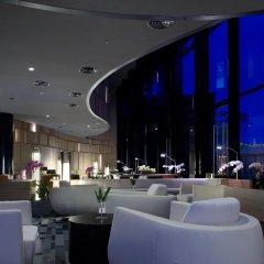 Отель Crowne Plaza Changi Airport гостиничный бар