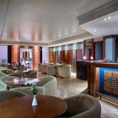 Отель Blazer Suites Hotel Греция, Афины - 1 отзыв об отеле, цены и фото номеров - забронировать отель Blazer Suites Hotel онлайн гостиничный бар