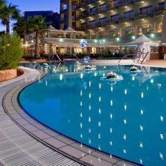 Cavalieri Art Hotel бассейн