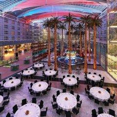 Отель Hilton Munich Airport Германия, Мюнхен - 7 отзывов об отеле, цены и фото номеров - забронировать отель Hilton Munich Airport онлайн
