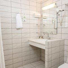 Отель Best Western Knudsens Gaard Оденсе ванная фото 2