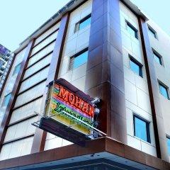 Отель OYO 16011 Hotel Mohan International Индия, Нью-Дели - отзывы, цены и фото номеров - забронировать отель OYO 16011 Hotel Mohan International онлайн вид на фасад