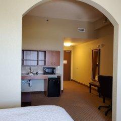 Holiday Inn Express Hotel and Suites Mankato East в номере