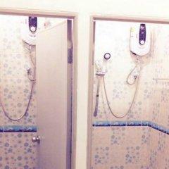 Отель Rest Inn Dormitory Guest House Таиланд, Бангкок - отзывы, цены и фото номеров - забронировать отель Rest Inn Dormitory Guest House онлайн ванная фото 2