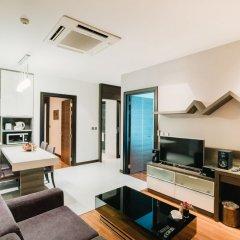 Отель Vertical Suite Бангкок комната для гостей фото 5