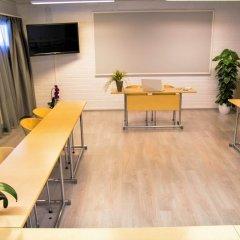 Отель Airport Hotel Bonus Inn Финляндия, Вантаа - 13 отзывов об отеле, цены и фото номеров - забронировать отель Airport Hotel Bonus Inn онлайн гостиничный бар