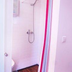 Отель Artist Studio - Alfama Old Town Португалия, Лиссабон - отзывы, цены и фото номеров - забронировать отель Artist Studio - Alfama Old Town онлайн ванная фото 2