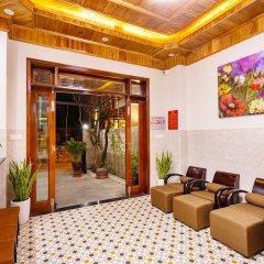 Отель The Lit Villa Хойан интерьер отеля