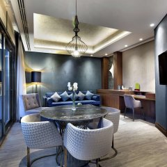 DoubleTree by Hilton Hotel Istanbul - Piyalepasa Турция, Стамбул - 3 отзыва об отеле, цены и фото номеров - забронировать отель DoubleTree by Hilton Hotel Istanbul - Piyalepasa онлайн в номере